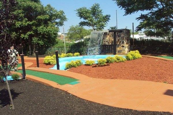 Mini Golf Industry