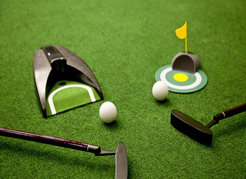 Golf Equipment Reviews From Unusual Putters And Shoes To Basic Shirts And Trolleys