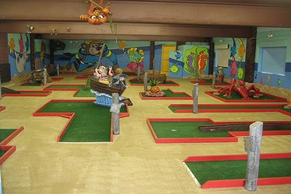 Indoors By Mini Golf Industry