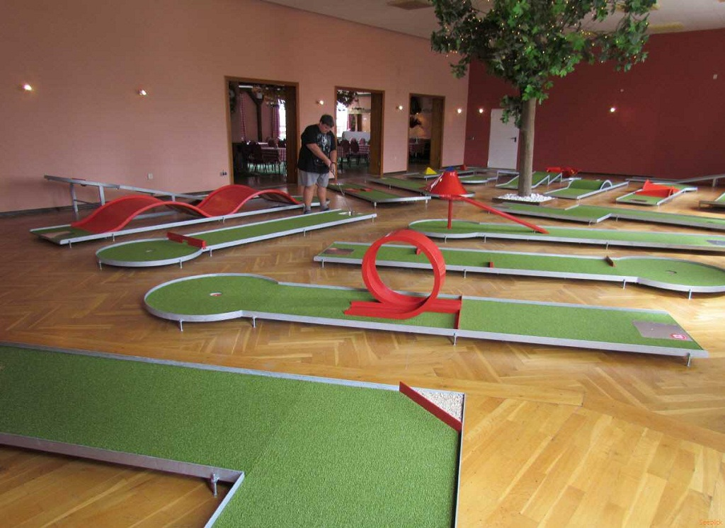 The Latest Trends In The World Of Mini Golf