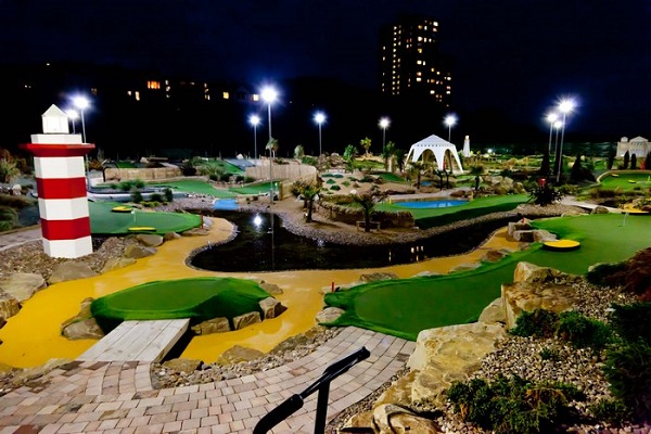 Night Mini Golf Design