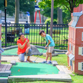 Check Out The Best Mini-Golf Courses During Spring Break!